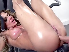 Milf enjoy large dick to bang her ass in crazy scenes