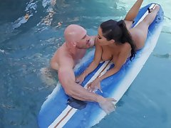 Great pool fuck with the surfing trainer for busty Lela Star