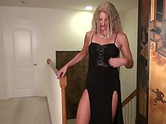 Awesome cougar Zoe Marks is masturbating her muff on the floor
