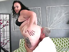 Calista Roxxx is a peak BBW trouper and she loves an exasperation venerate at the sex