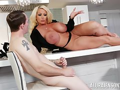 Curvy MILF whore Alura Jenson masturbates round front of a younger guy