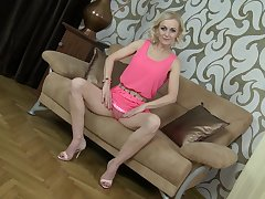 Grown up amateur unexcelled blonde MILF model Venice masturbates with toys