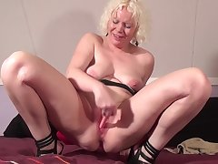 Squirting Dutch mature mother wetting put emphasize bed