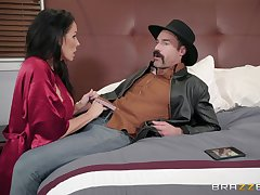 Reagan Foxx ramming a permanent friend's gumshoe to the fore and after a blowjob