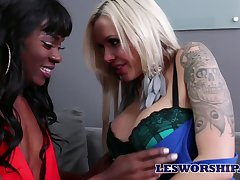 Eye catching Anna Foxxx loves by the skin of one's teeth faggot scissoring