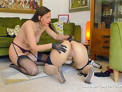 Big ass matures are having fun approximately a lezzie home play
